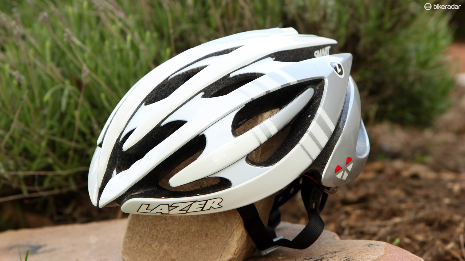 The Lazer Genesis LifeBEAM starts out as a standard Genesis helmet but Israeli company Lifebeam then adds in a slick integrated heart rate monitor