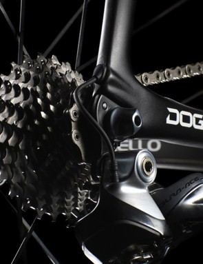 Neat cable port exit on the Pinarello Dogma F8