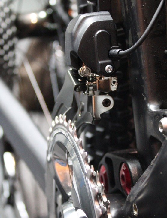 Shimano XTR Di2 can be used as part of a single, double or triple transmission
