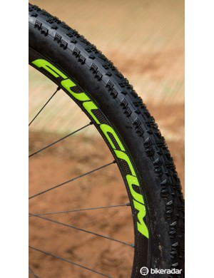 This carbon 29er wheel is definitely a prototype – we expect the wheels to weigh in 1300g region