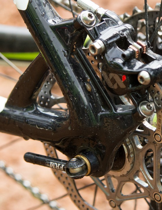 The Big.Nine frame uses a 132x12mm thru-axle. Hermida's bike features a super-light aftermarket skewer from FRM