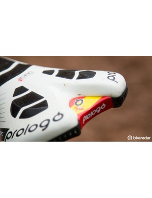 The Spanish national colours feature on Hermida's Prologo saddle