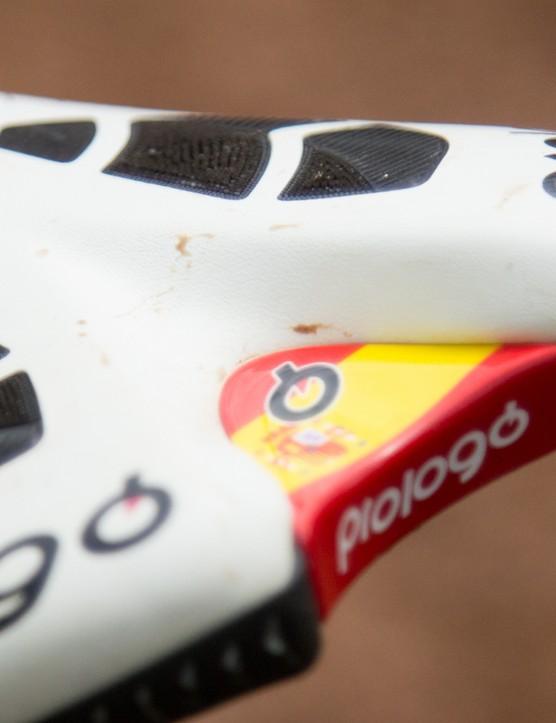 The Spanish national colours feature on Hermida's Prologo saddle