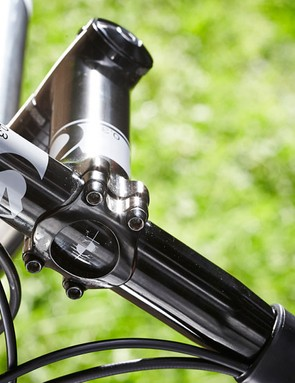 The 44mm head tube is straight but inside it the fork's steerer tube is tapered