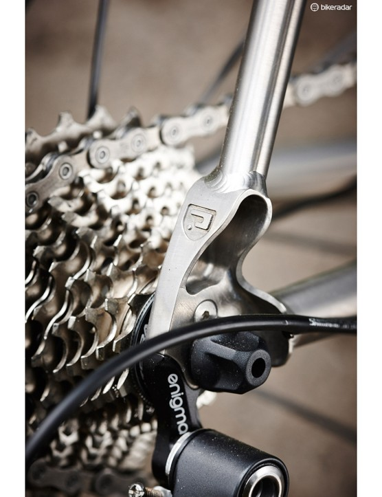 The machined cowled dropout holds a replaceable gear hanger