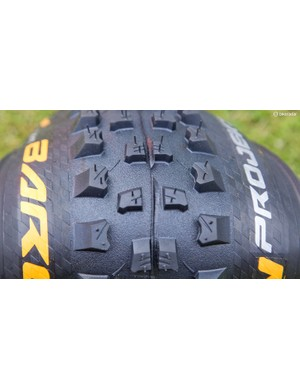 Continental Baron Projekt: Continental caught the eye with its brand new Baron Projekt 2.4in enduro tire, especially since its focus is performing well in the mud whilst retaining good rolling speed. It is available in all wheel sizes