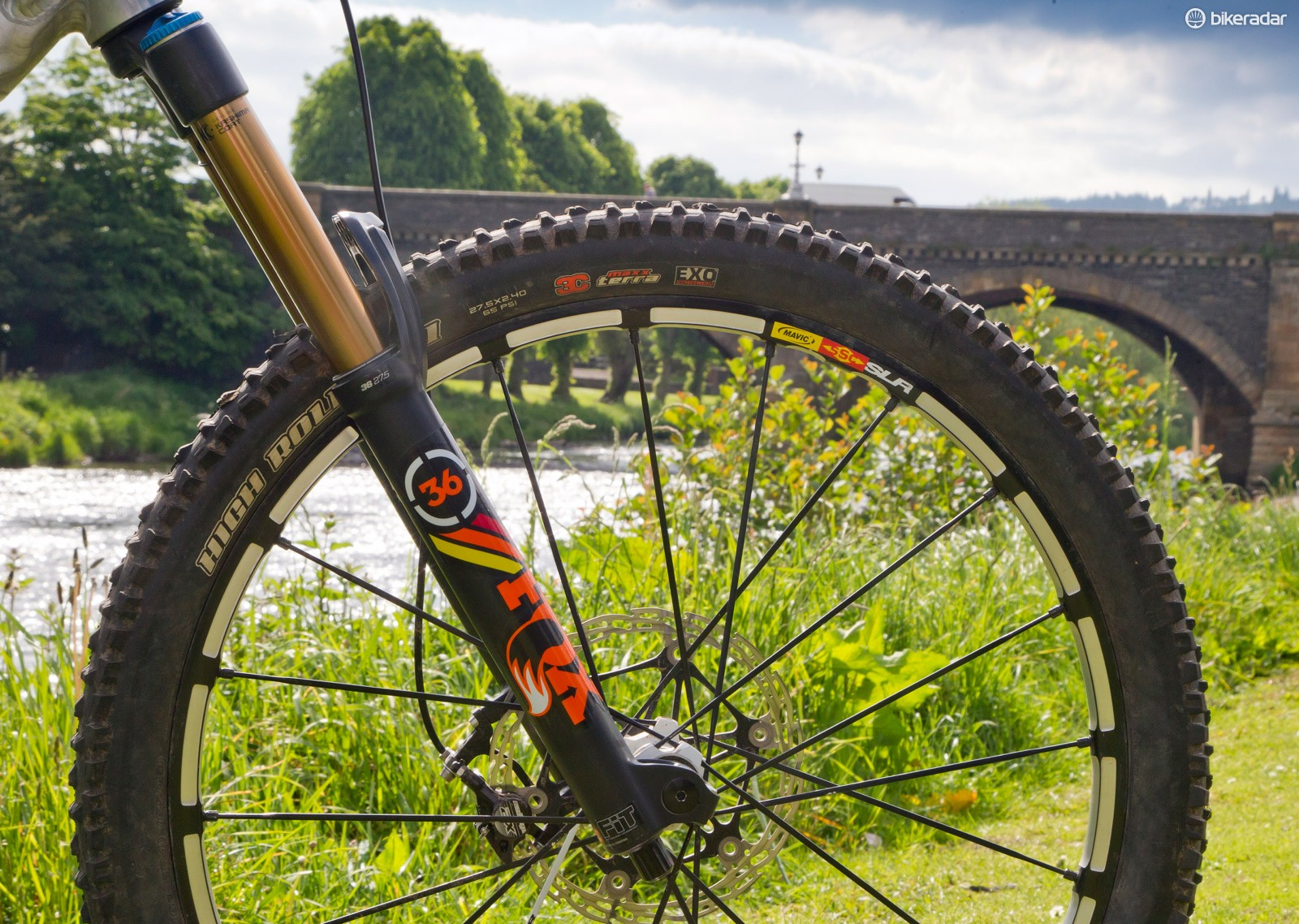 Fox 36: Fox had many of its factory riders on the 2015 605B 36 fork. Available in June, there is a 29in version (and a redesigned 26in-wheel fork is coming as well). With a fully adjustable RC2 cartridge and an adjustable axle for 15/20mm forks, this looks like a return to form