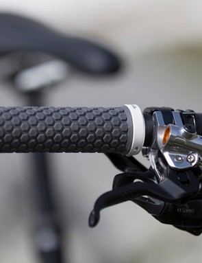 The Juliana Compact Mountain grips provide a comfortable fit for smaller hands