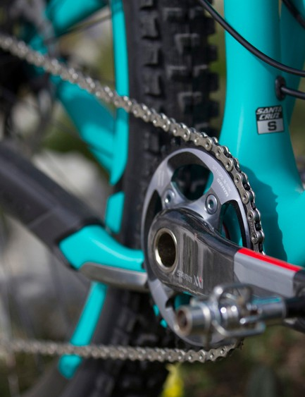 An XX1 drivechain drives the top-end model but there's the option of X01 on lower spec builds