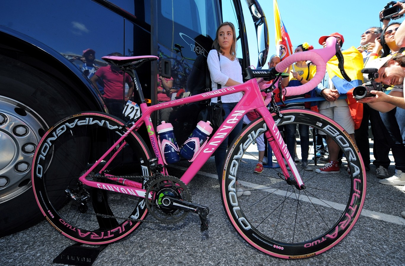 Nairo Quintana's (Movistar) very pink Canyon Ultimate CF SLX