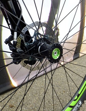 The new Lefty SM hub has wider flanges for extra stiffness