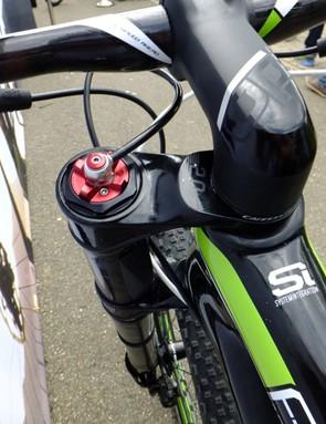 The Lefty 2.0 XLR has a hydraulic lock-out controlled by a RockShox remote