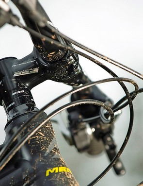The 60mm stem belies the middle ground this bike occupies