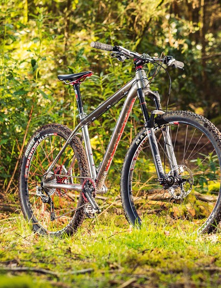 The Signo Technica's smooth welded and triple butted frame is a well made pleasure