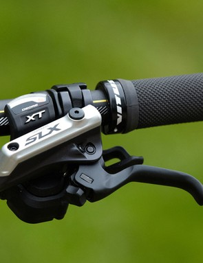 The Sentier is fitted with Shimano Deore XT shifters and SLX brake levers