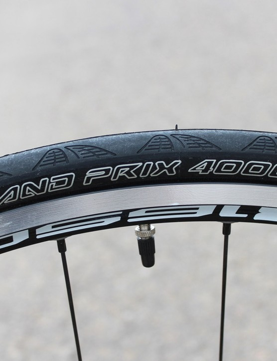It's hard to go wrong with Continental Grand Prix rubber. Still, having been leaning towards 25mm, 26mm or even 28mm options recently, we were expecting the ride to be a bit jarring. But no, not in the least