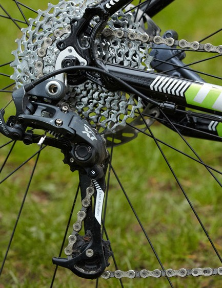 The 2x10 SRAM X7 based transmission is geared for speed rather than trail riding versatility