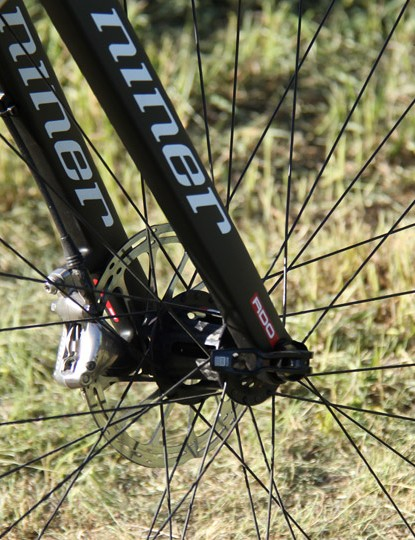 Unlike Niner's gravel road racer, the RLT 9, this new model uses a full carbon fork with a Maxle thru-axle