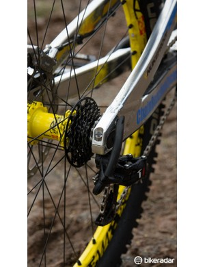 SRAM provides its new X01 DH drivetrain in the 7-speed configuration
