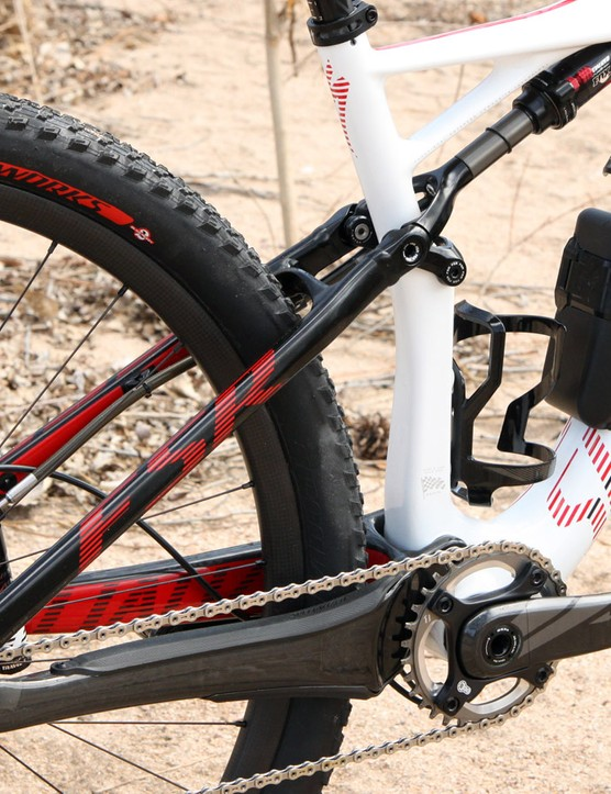 While the top-end S-Works Epic Carbon World Cup uses a full carbon rear end, the much cheaper Epic Expert Carbon World Cup gets aluminum seat stays