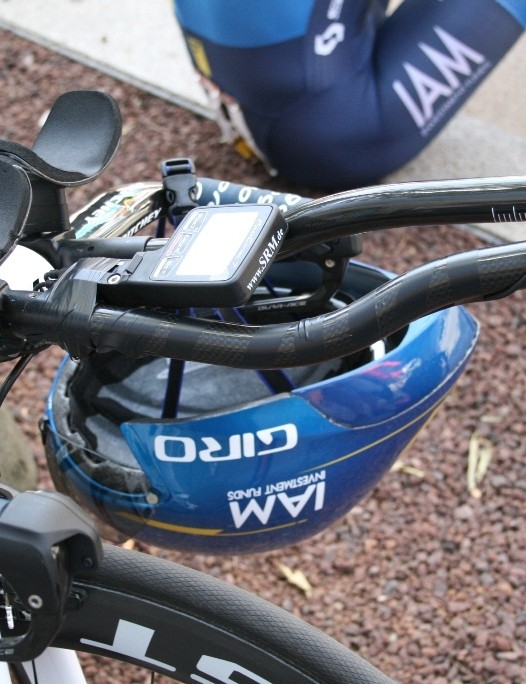 TT specialist Gustav Larsson (IAM Cycling) had one of the most exotic set ups at the time trial – a straight and a curved extension bar and some seriously deep elbow cups