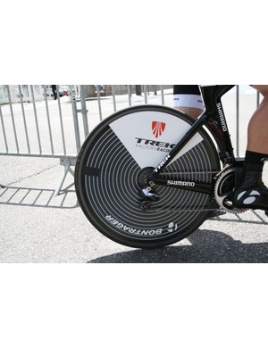 Markel Irizar (Trek Factory Racing) aboard this hypnotic Bontrager disc wheel