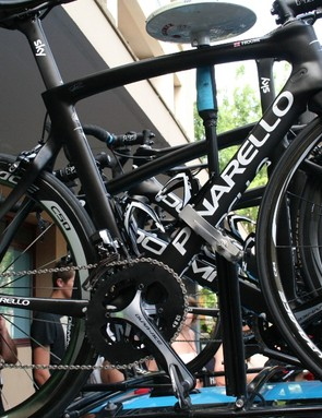 Froome's spare bike remains on the roof