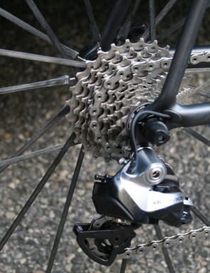 Neat cable routing on the Cervelo R5
