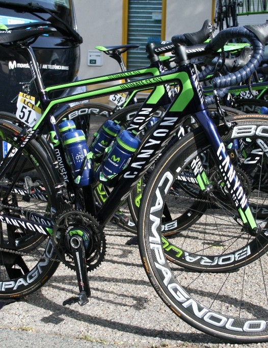 Igor Anton's (Movistar) Canyon Ultimate CF SLX gleams in the sun