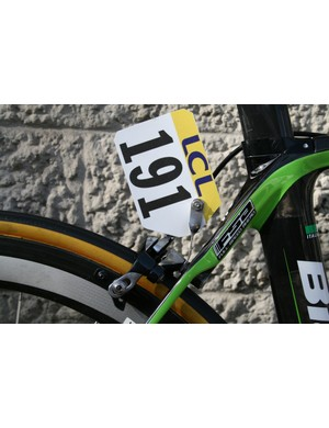 Standard aluminium twisted number holders for Belkin riders