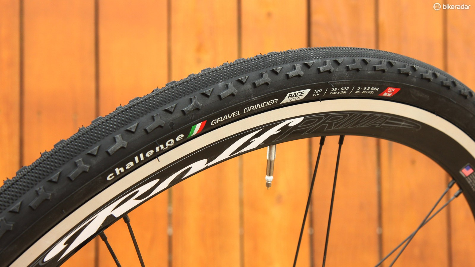 Challenge gets into the gravel game with the new Gravel Grinder tyre, using the same tread as the cyclocross-specific Chicane but with a tougher-wearing rubber compound and more durable vulcanised construction
