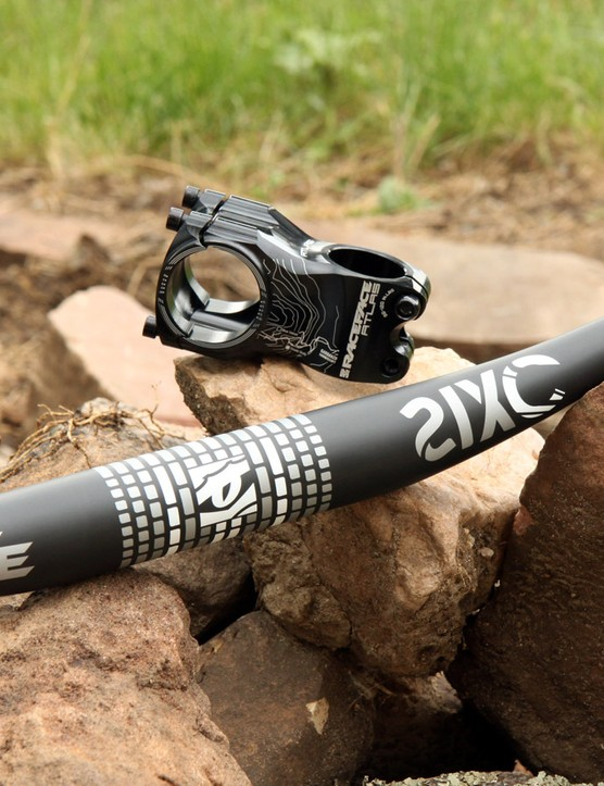 RaceFace says its SixC 35 carbon bar and Atlas 35 stem are lighter and stiffer than their 31.8mm-diameter counterparts