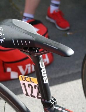 Darwin Atapuma (BMC) rides on a Fi'zi:k Antares R1 braided saddle