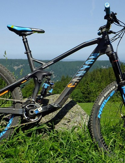 The Canyon Strive CF 9.0 Race with ShapeShifter technology costs €4,299