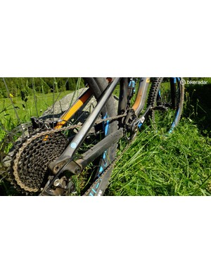 The Strive CF's back end with SRAM X01 gearing and bolt-thru axle