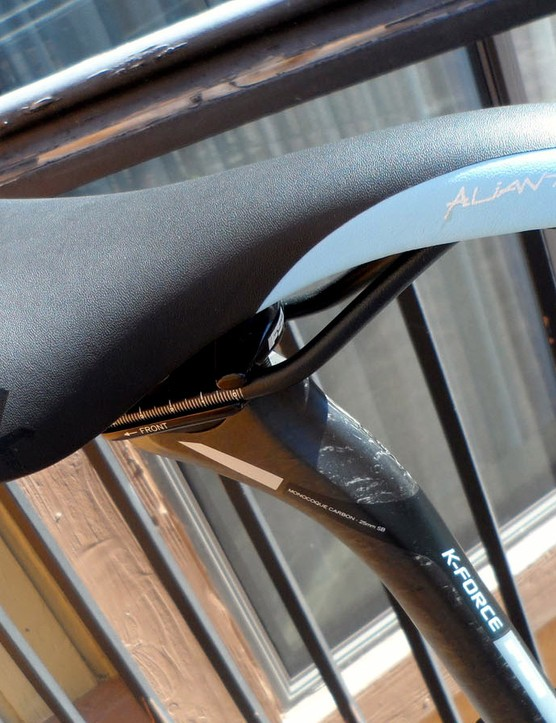 A classy Aliante saddle and carbon K-Force post come as standard on the top-of-the-range Grade
