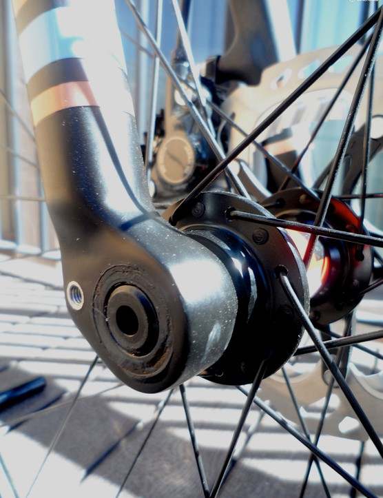 The all-carbon fork features a 15mm thru-axle