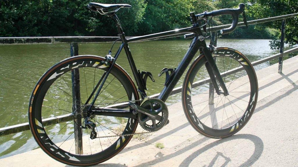 The Deus Cycleworks Carby road bike