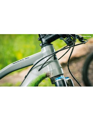 The fork has a tapered steerer to match the head tube but a QR rather than 15mm axle