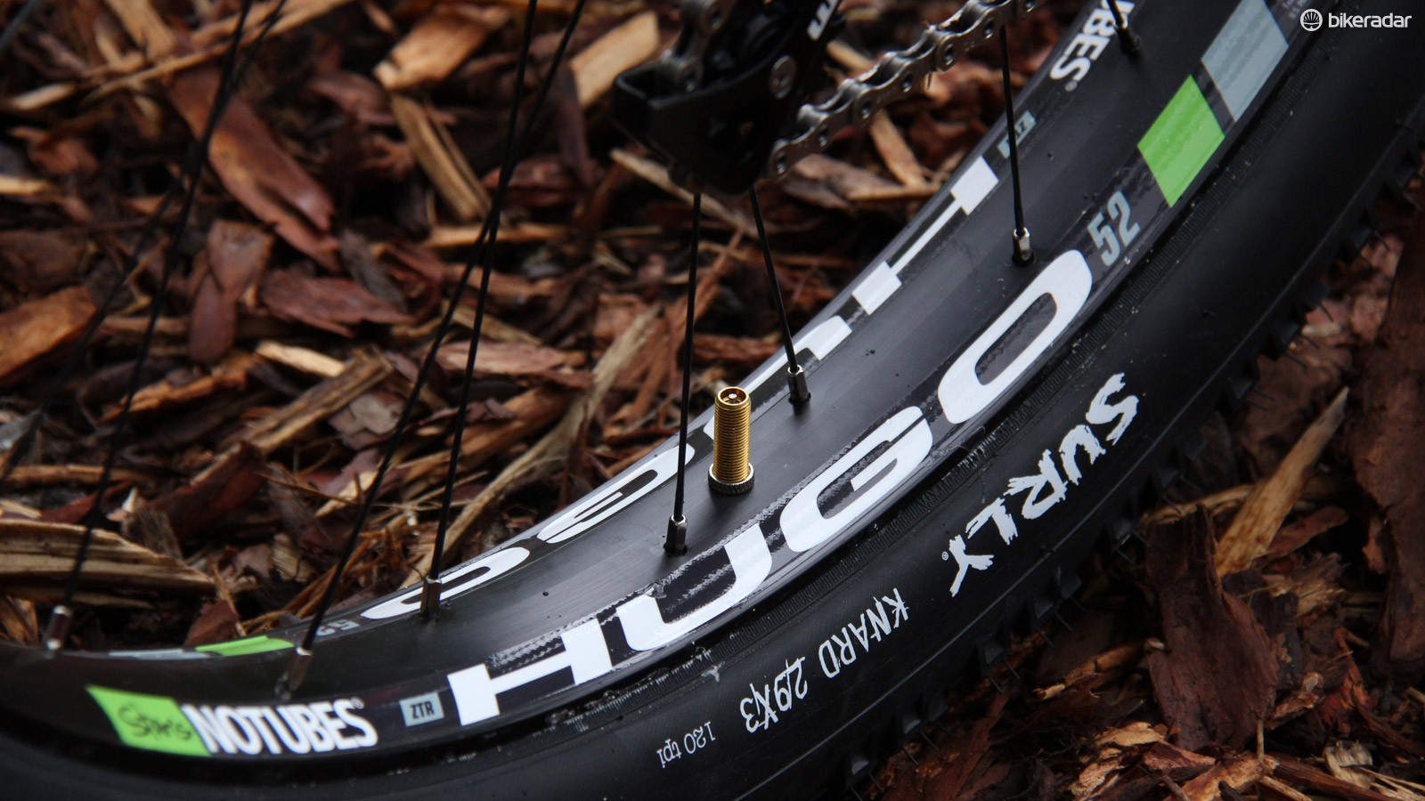 The Hugo 52 marks NoTubes entry into the work of semi-fat bikes