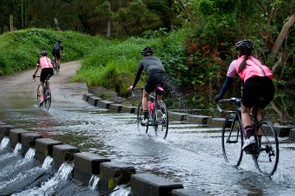 A few Gent-ettes attacking a flooded causeway