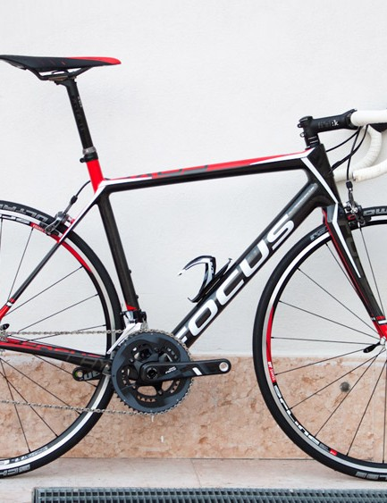 The rim-brake version we rode was essentially a Cayo 4.0, barring the slightly lighter DT Swiss wheels
