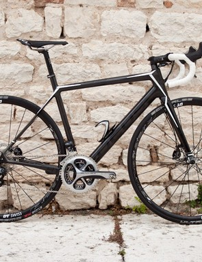 We rode a non-standard disc build, with Shimano R785 levers and brakes, Ultegra Di2 and a Dura-Ace chainset