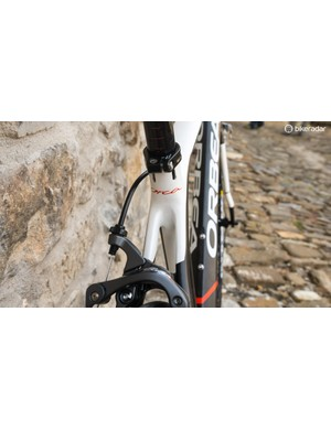 Unlike the Avant, the Orca's seatstays meet the seat tube separately...