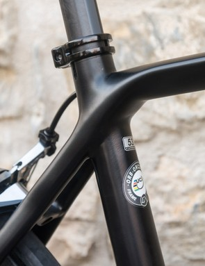 …and effectively run round the seat tube to flow into the redesigned, tapering top tube.