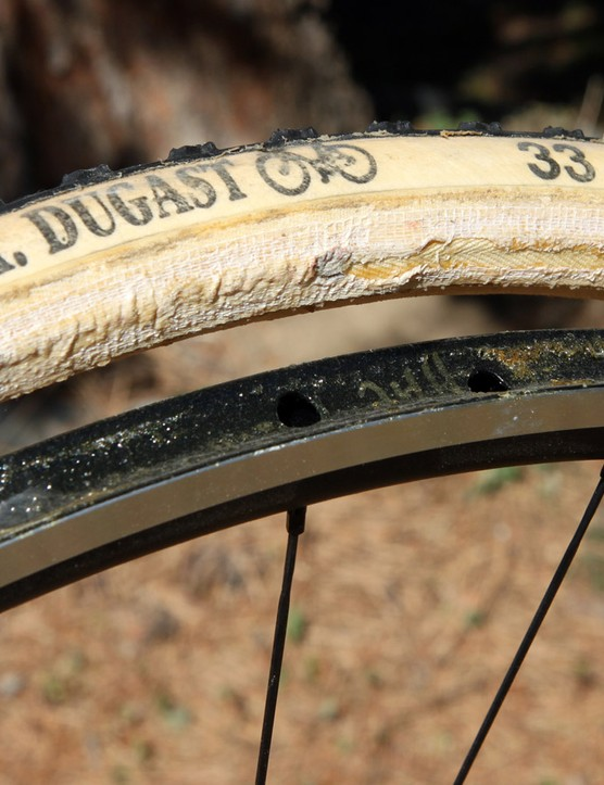 Tubular tyres have the inner tube sewn directly into the casing