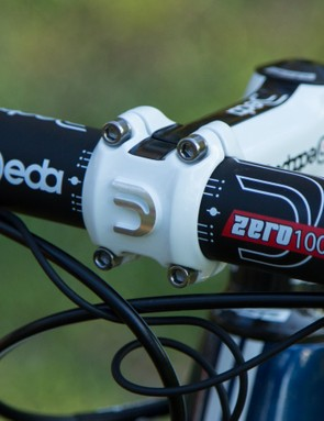 Deda Zero100 handlebars are commonly seen on the bikes of the world's fastest – nice choice