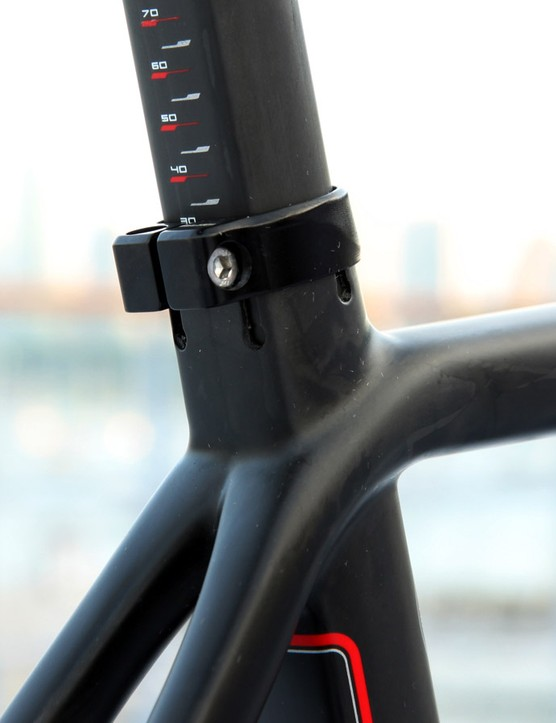 The seatpost features similar Kamm-type shaping in an effort to decrease aerodynamic drag. According to Colnago, this also improves rider comfort, too. Multiple seat tube slots improve clamping consistency on the seatpost as well to reduce slipping