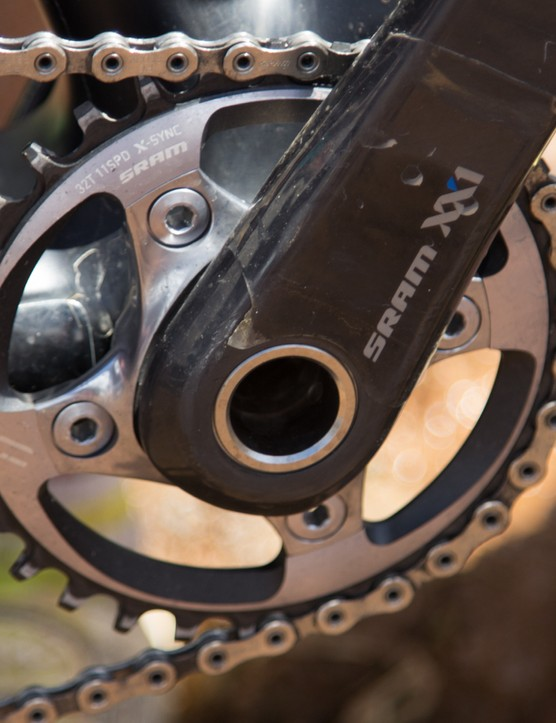A 32T SRAM XX1 X-Sync chainring keeps Leumann moving