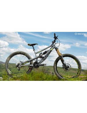 The Canyon Torque DHX Dropzone's low overall weight helps give a lively ride and opens up riding possibilities beyond just downhill
